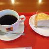 メルカフェ - 料理写真:ミルクレープとブレンドのセット@550円