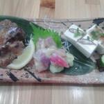 沖縄そばと島豆腐の店 まつばら家 - おまかせ ウチナー三点盛り   750円