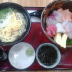 沖縄そばと島豆腐の店 まつばら家 - 海鮮丼1000円