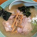 ニューラーメンショップ  - チャーシュー麺