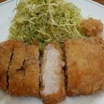 ぽん太 - とんかつ定食(2900円)