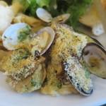 ラ グロッタ - 魚介の香味バターオーブン焼