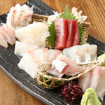 てしごとや - 料理写真:築地直送!刺身盛合せ2000円~人数に合わせてお造り致します。