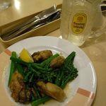 ジョナサン - 2015年3月限定:山口県産はなっこりーと牡蠣のガーリックソテー。499円税抜。