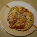 ジョナサン - ツナとパプリカのピザ。