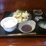 りん花 - とり天定食 600円