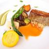 レストラン ペタル ドゥ サクラ - 料理写真:肉料理(高座豚のカレー風味・クスクス添え、横浜農家の春の野菜、フキノトウマヨネーズ)