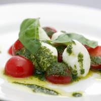 ピッツェリア パージナ - トマトとモッツァレラのカプレーゼ