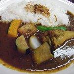 印度風カリーライス 吉葉 - 野菜チキン(ランチ仕様のため、野菜少な目 \850)