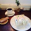 イエ カフェ - 料理写真:フルーツサンドとコーヒー