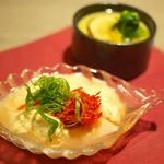"""柊亭 - """"お通し:香る松茸の茶碗蒸し""""と""""前菜:生湯葉のエビ餡かけ"""""""