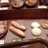 ベッカライ ブラウベルグ - 料理写真:店内のパン