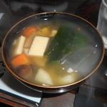 鶴亀庵 - と、その前にけんちん汁!これがまた美味い。