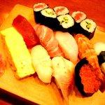 食工房 義 - メインのお寿司