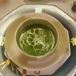37537572 - ズワイガニとグリンピースのスープ