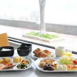 諏訪湖サービスエリア(下り線)レストラン紅や - 料理写真:高速道路SA・PAでは珍しいモ-ニングバイキング。リピ-タ-様の御用達。7:00~10:00。大人¥960、シニア(65歳以上)¥860、小学生¥670※食材の都合により価格変更させて頂く場合がございます。