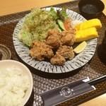 潤和 - うちの唐揚げ定食(780円)