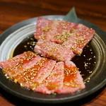 炭火焼神戸牛いく田 - カルビとハラミ