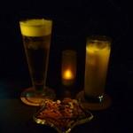 星カフェ SPICA - 生ビールとミルキーウェイ、チャームのおかき