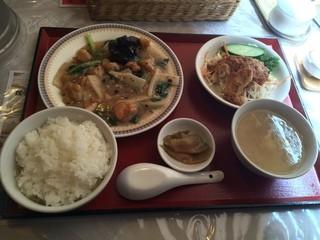 コーボカルド - 日替わりランチの鶏肉の豆鼓炒煮!490円