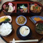 旬菜処酒菜亭 - 料理写真:日替わり定食