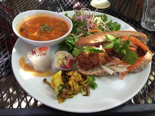阿里山cafe - ベトナム風サンドウイッチバインミーのプレート