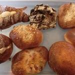 37601768 - 購入したパン♪