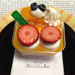 エンジェル - 料理写真:イチゴとマンゴーのムース。