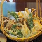 ちわき - 山菜など13種の天婦羅