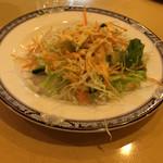 ナーン イン - ビリヤニに付くサラダ