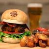 ルーフトップス - 料理写真:グルメバーガープレートはボリューム満点!