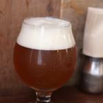 スパイス・ツリー - 逗子で作っている地ビール ヨロッコ (800円)がいただけるんですよ