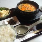 焼肉れんげ - チゲ鍋定食