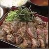 鳥どり - 料理写真:ボリューム満点★牛ステーキ重