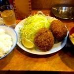 とん金 - 今日のランチ メンチカツ定食 ¥830