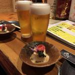 Japanese Dining ゑびすダイニング - ビールでかんぱーい!付き出し。