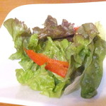キッチン アンド マム - ランチ ベーコンチキンブイヨンパスタ 840円のサラダ 【 2015年5月 】