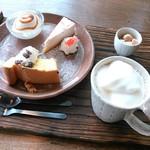 ヤサシイウタ - ケーキプレート&豆乳ラテ