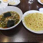 中華料理紅蘭 - Cランチ(つけ麺&炒飯が付いて900円)