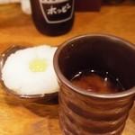 神鶏 - お通し(しじみ汁と大根おろし)