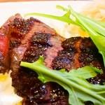 ヴァベーネ - 赤牛ランプ肉の炭焼きステーキ