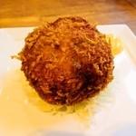 ヴァベーネ - 米盛産のあか牛メンチカツ