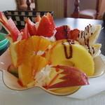 サンゴショウ - ボリューム満点の「サンゴショウサンデー」デザート