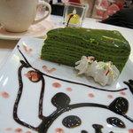 3787537 - ハラルフードならぬ、萌え萌えきゅん済みの抹茶ケーキ