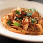 イル・クッチョロ - 「スパゲッティ生ハムミンチとお野菜(玉葱・ズッキーニ)のピリ辛ソース」