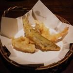 蕎麦懐石 無庵 - 天ぷら:ワカサギ、はす、芝海老