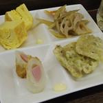 松ぼっくり - ハイボール+4品が500円 れんこん、玉子焼き、チクワの中にポールウインナ、豚肉天ぷらです。