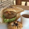 リヨン小麦館八街店 - 料理写真:月替わりバーガーとスコーン