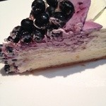 カフェ・コムサ - ブルーベリーとクリームチーズのタルトアップ。