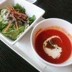 Y1 - ランチのスープ、サラダ